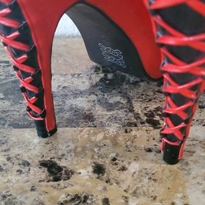 Shoes - Red and Black Musical Theme peek  Top Shoes